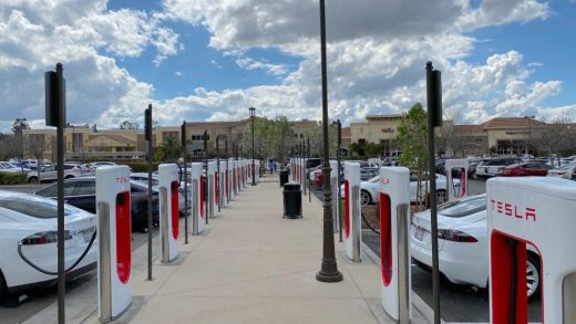 Tesla Supercharger location in Santa Clarita