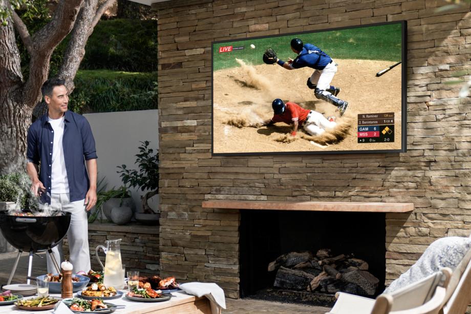 Samsung 4K TV Terrace