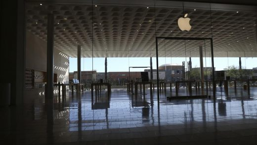 Apple to re-close 30 more retail stores as coronavirus cases spike