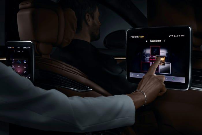 Mercedes-Benz S-Class user experience. Mercedes-Benz