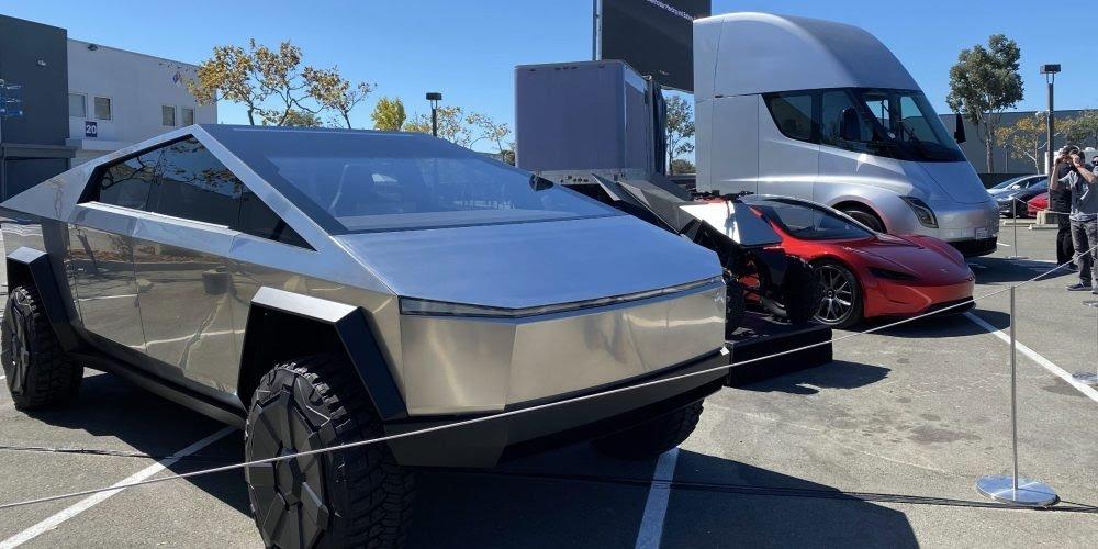 Tesla Cybertruck Cyberquad Roadster Semi