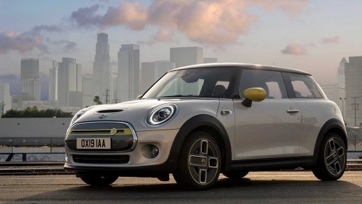 The Cheapest Electric Car on Sale Now: The 2020 Mini Cooper SE Doesn't Cost a Fortune