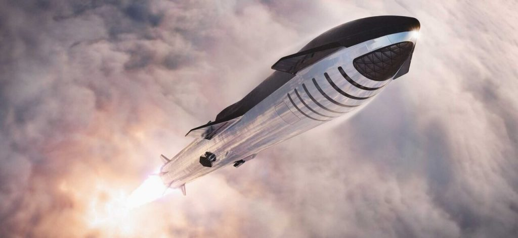 SpaceX's SN5 Starship prototype performs a 500-foot-high test flight on Aug. 4, 2020. (Image credit: SpaceX)