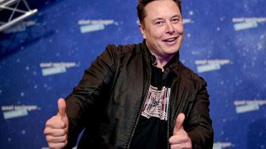 SpaceX owner and Tesla CEO Elon Musk poses next to[-]Axel Springer CEO Mathias DoepfnerGETTY IMAGES