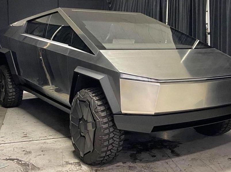 RAM TRX Tesla Fremont Cybertruck