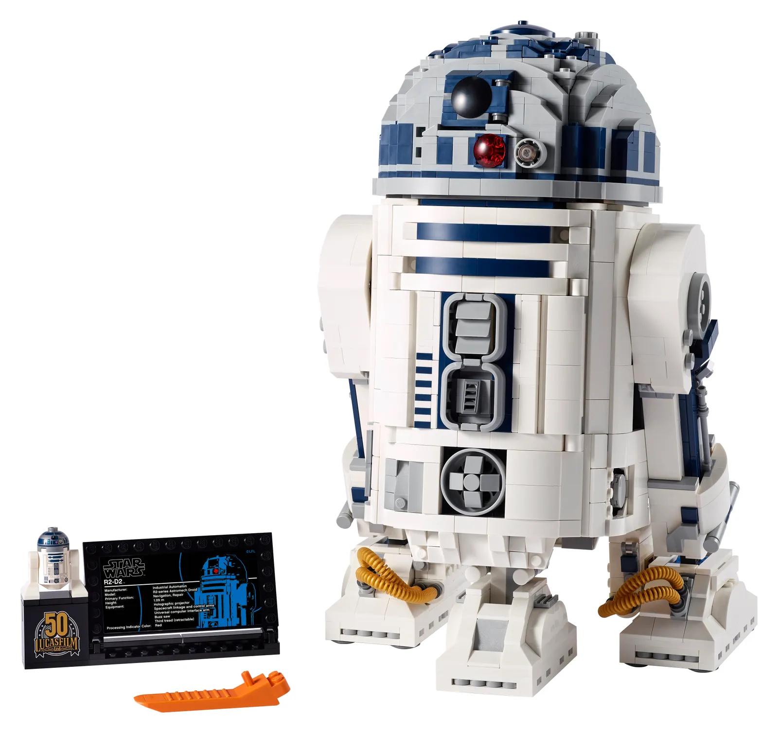 Lego R2-D2 models