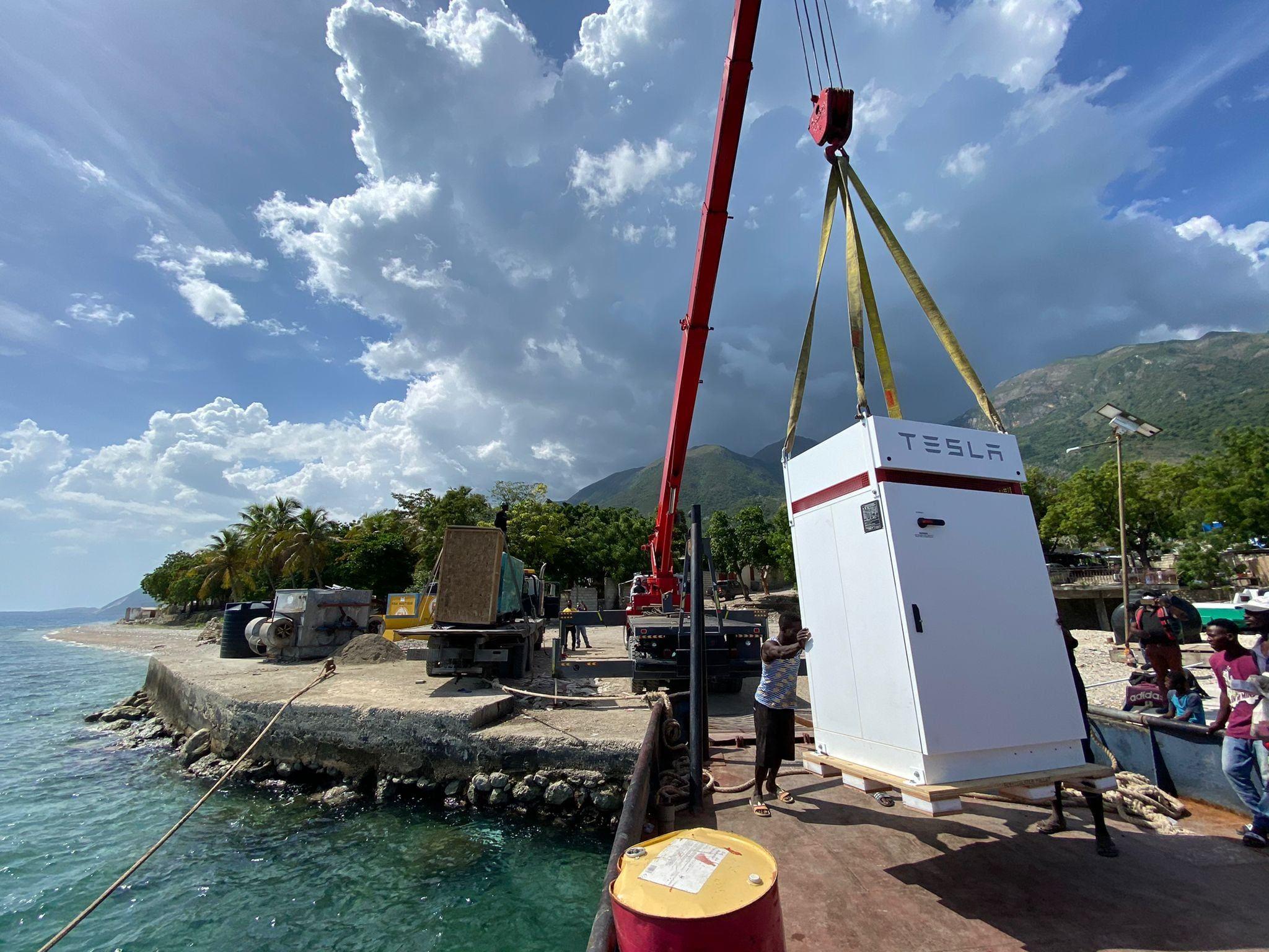 Tesla Powerpacks Haiti