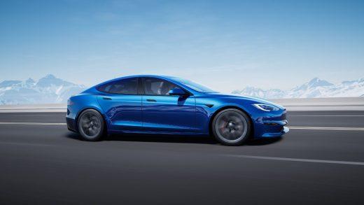 Tesla Model S Plaid Takes on Hayabusa and ZX-14R