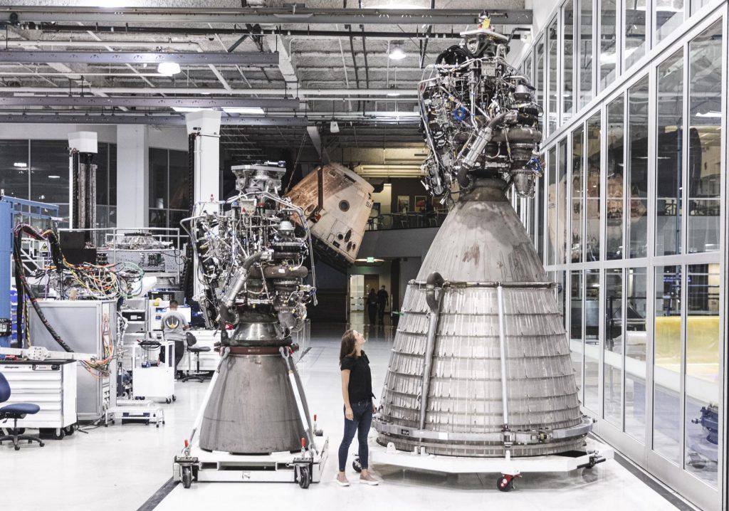Raptor and Raptor Vacuum, September 2020. (SpaceX)