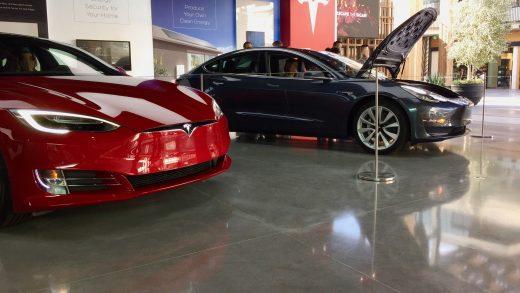 Tesla showroom in Century City mall, Los Angeles (Credit: Teslarati)
