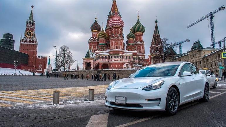 Tesla Model 3 Russia