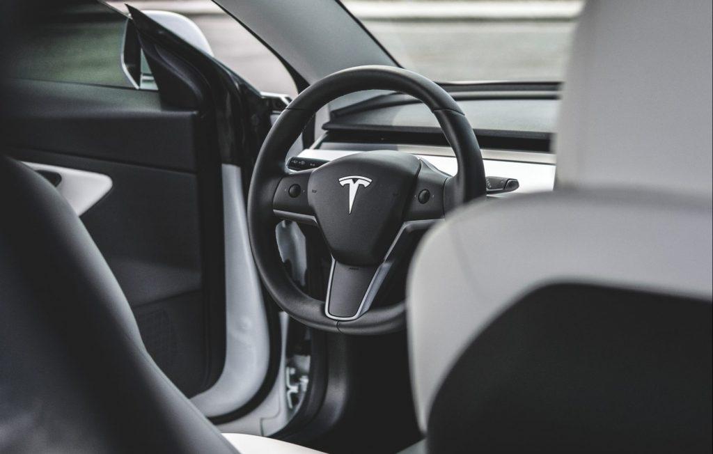 Tesla Model 3 (Photo: Andres GE)
