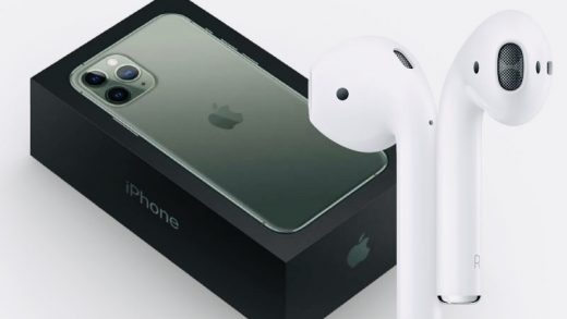 Apple iPhone 12 AirPods