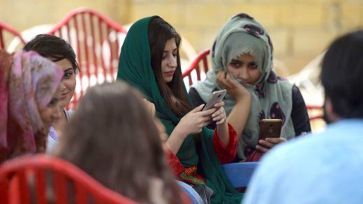 Pakistan Google Facebook