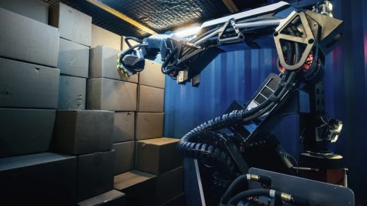 Stretch's vacuum grippers mean it can only handle boxes with flat surfaces — limiting its usefulness in certain warehouses. Image: Boston Dynamics