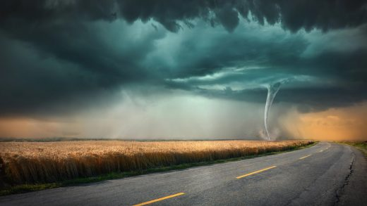 Tesla Model X Tornado US, Sentry Mode Captures Severity